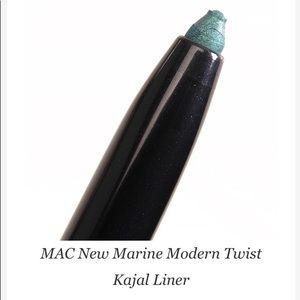 MAC New Marine Modern Twist Kajal Liner